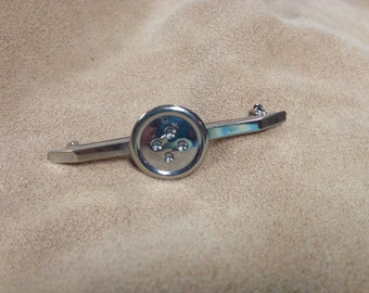 Vintage Silvertone Button Pin/Brooch