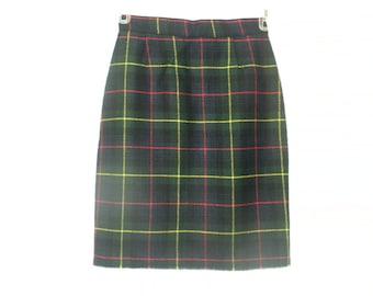 Vintage 90s High Waisted Dark Green Tartan Plaid Pencil Skirt Size Small