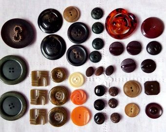 Vintage Button Lot Green Brown Orange