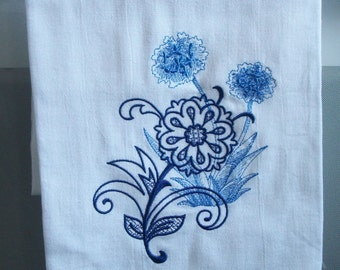 Flour sack kitchen towel. Embroidered, Agapanthus flower. Can be personalized.