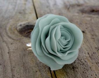 FLOWER RING - pastel green
