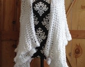 Beautiful soft white vintage shawl! Great accessory for pioneer treks, weddings, plays, and more!