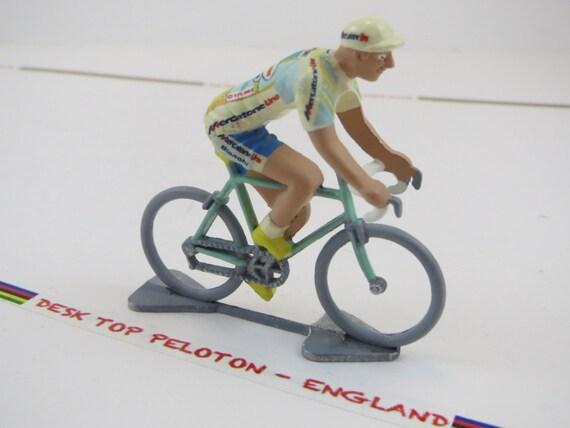 Cycling figure Marco Pantani Mercatone Uno by DeskTopPeloton