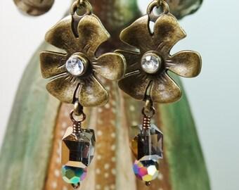 Flower and Crystal Earrings, Flower Vintage Inspired Earrings, Antique Style Earrings, Dangle Flower Earrings
