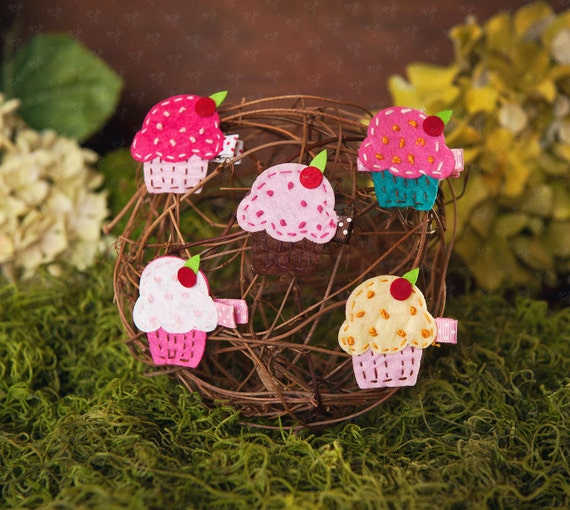 Shaby Chic Small Felt Cupcake Sweet Hair Clips Set