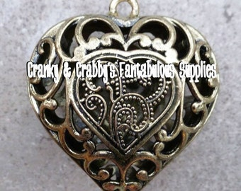 Antique Gold Scrolled Arabic 3D Heart Pendant - 55mm x 47mm   -  Valentine's DAy - Love - Chunky Necklace