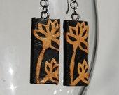 Black Gold Hanji Paper Dangle Earrings Flower Design Hypoallergenic hooks Lightweight Ear rings