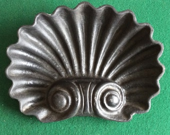 Shell form hall tree drip or umbrella pan Victorian