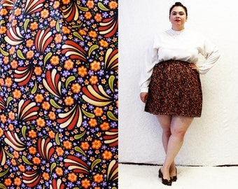 Plus Size  - Modern Vintage Floral Abstract Print Swing Mini Skirt (Size 1X-3X)