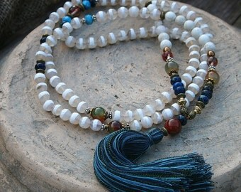 Beautiful faceted agate - howlite gemstone mala necklace