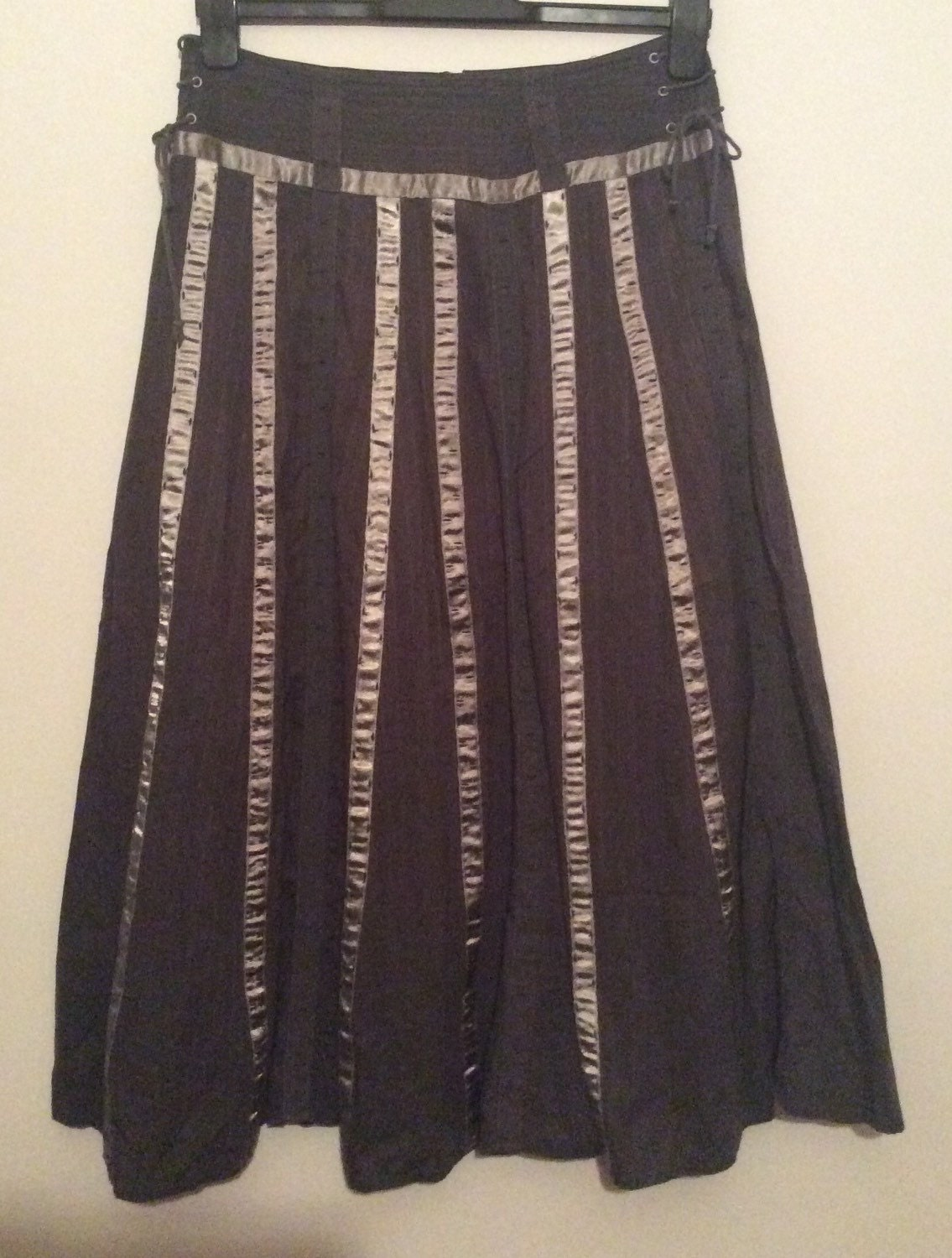 fully lined pleated maxi skirt in a size 36 uk 10 12 usa 6 8