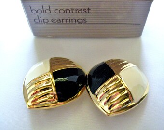 "Vintage Avon ""Bold Contrast"" Earrings Black & White Enamel Gold Tone Clip On NIB"