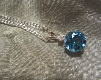 Natural Accented Swiss Blue topaz Pendant