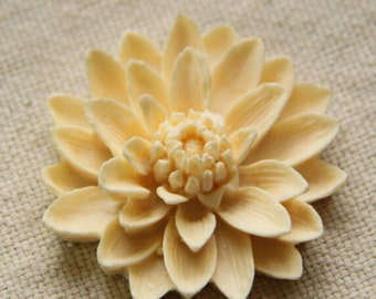 6 pcs of resin chrysanthemum cabochon-55mm-0063-cream