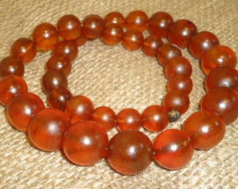 61gr! Antique Old Genuine Baltic Egg Yolk Amber Round Beads Necklace. Natural (53)