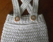 Crochet Infant Overall shorts.  Newborn.  Photo Prop.  Cream w/ tan buttons.