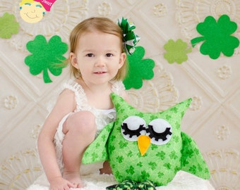 Stuffed St. Patrick's day owl, green clovers St. Paddy's day stuffed toy owl