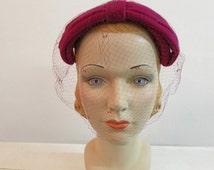 1950s fuchsia velvet bow fascinator hat // vintage 50s pink velvet fascinator // Bettie Ann
