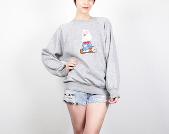 Vintage 80s Sweatshirt Fuzzy Textured Rabbit Embroidered Jumper 1980s Sweatshirt Heather Gray Pullover Easter Bunny Tshirt L XL Extra Large