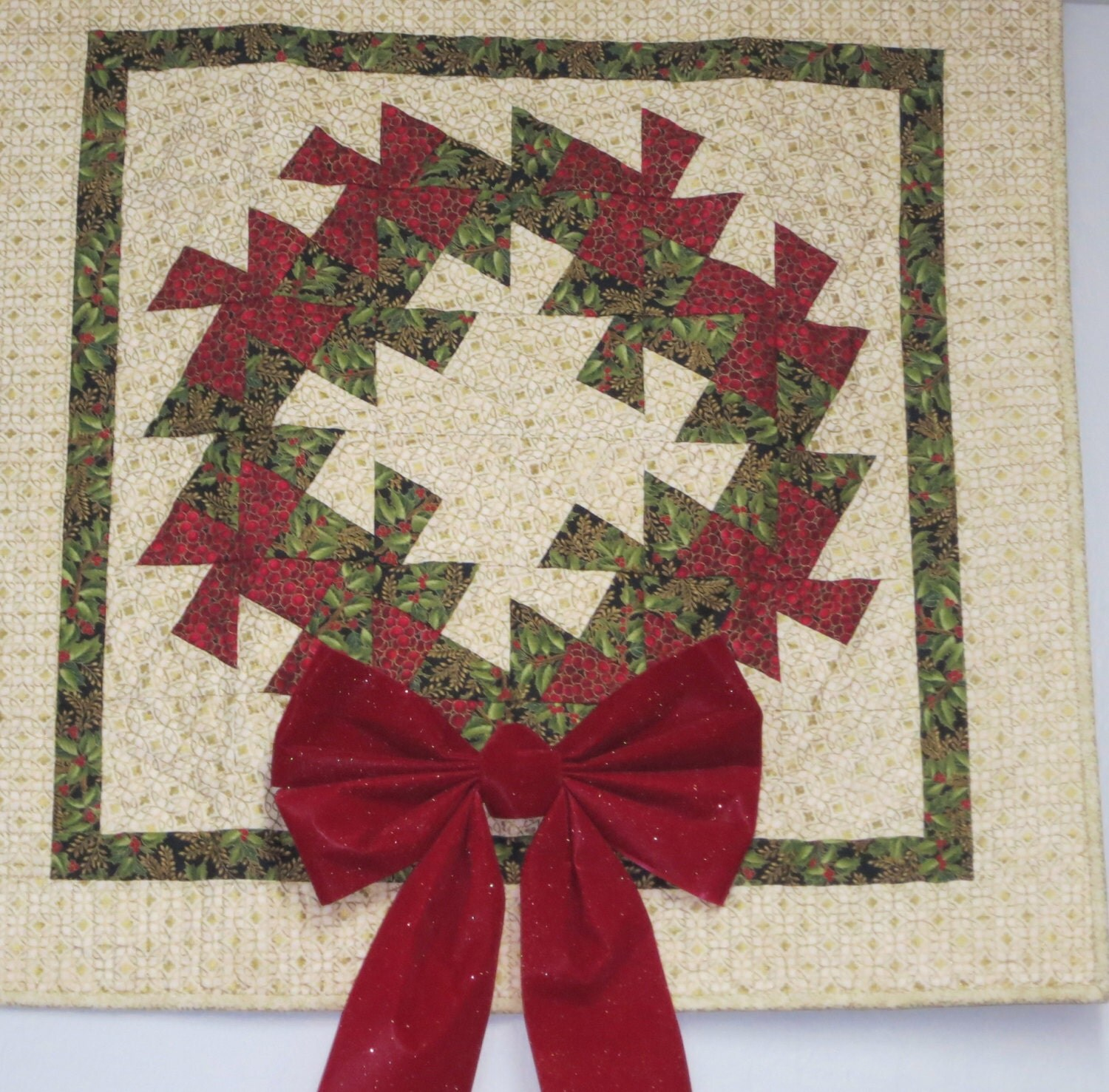 Twisted Rag Quilt Pattern Free : Quilted Christmas Wreath Wall Hanging Quilt Twisted Wreath