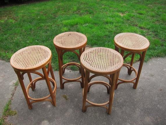 4 tabourets bois courb de bambou vintage chaise roumanie mid for Chaise de bar en osier