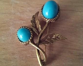 Gorgeous Well Made Vintage Goldtone Metal Plastic Aqua Cabachon Flower Brooch