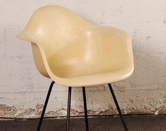 Vintage Herman Miller Chair