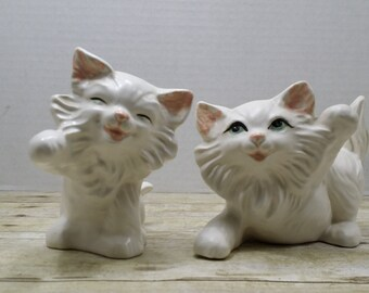Kitsch Cats, set of 2 white ceramic cats, figurines, vintage