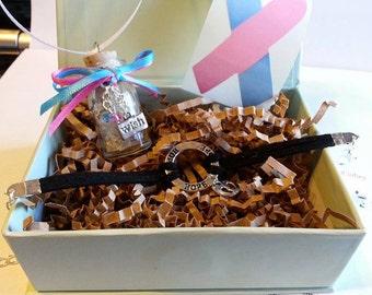 Wishes Gift Box (Hope baby feet charm bracelet)