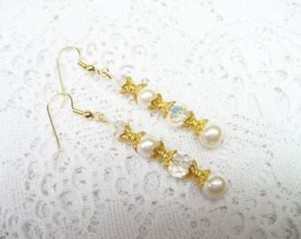 OOAK Vintage Creamy Ivory/Peach Faux Pearl and Aurora Borealis Crystal Earrings - Gold tone - Vintage WEDDING - BRIDAL Earrings - Pierced
