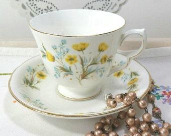 Vintage Colclough Buttercup Tea cup and saucer. 1950's. TS081