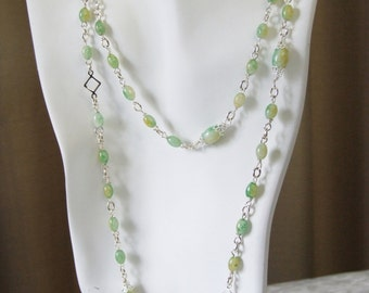 Pale green silver wrapped necklace 0318NK