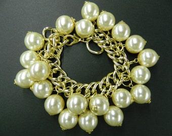 Vintage pearl chain bracelet
