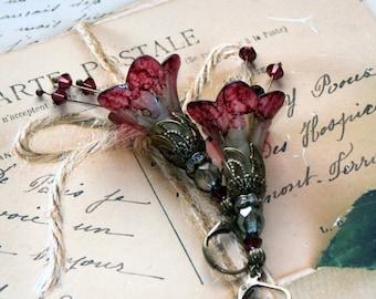 Lucite Flower Earrings, Burgundy Red Lucite Flower Earrings, Red Drop Earrings, Dangle Earrings, Handmade Earrings, Victorian Earrings, Boho