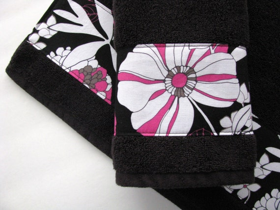 Hand towels black towels pink towels towels bath towel for Pink and black bathroom sets