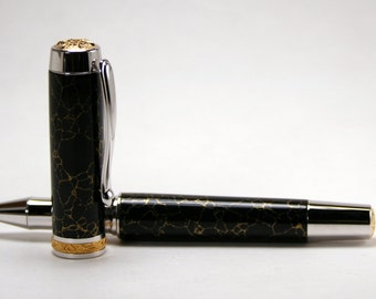 Hand Turned Pen: Statesman with Trustone Black & Gold Web