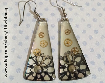 Sweet recycled CD earrings with a steampunky flair!