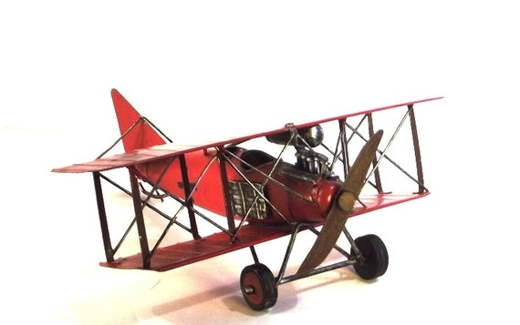 Red Baron model biplane Albatross type by thevintagedecorator | 570 x 357 jpeg 27kB