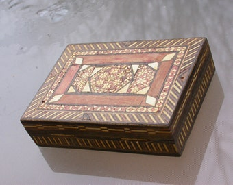 French vintage wooden wood jewelry box hand made mosaic egg shell  flower ornate pattern jewelry holder