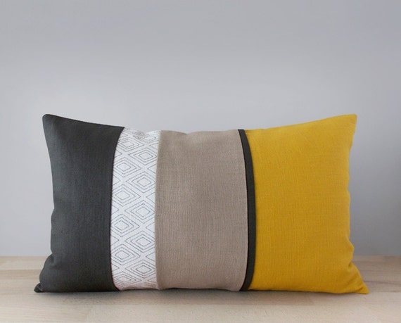 articles similaires moutarde jaune charbon de bois et beige lin d coratifs coussins. Black Bedroom Furniture Sets. Home Design Ideas