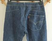 Levis twisted leg, engineered jeans, high waist blue jeans, Levis size 27 w 30 l, vintage levis, womens jeans, vintage clothing.