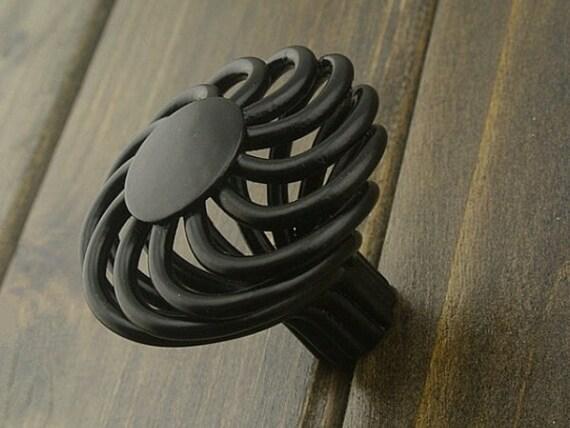 commode noir tiroir boutons poign es poign es en fer forg air. Black Bedroom Furniture Sets. Home Design Ideas