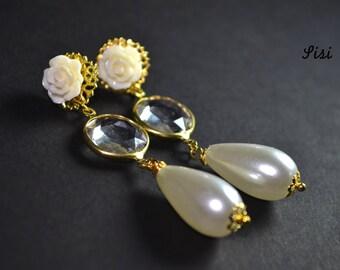 Earrings white drop pearl flower