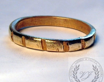 Magnificent Brass Ribbed Ring with FREE Ring Box