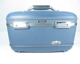 Vintage Blue Train Case, Vintage Luggage, Travel Case, Overnight Bag, make up case,