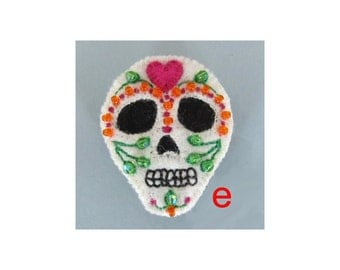 SALE Sugar skull felt brooch - pink heart E