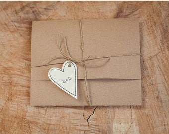 Packet envelope with heart chiudibusta