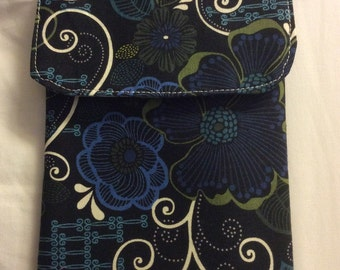 Navy, Green and Cream Swirly Cell Phone Bag