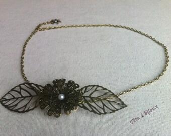 Headband head vintage white flower with leaves and semi-pearls jewel