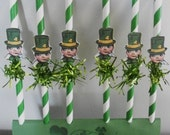 St. Patrick's Day Paper Straws with vintage inspired Leprechauns and green tinsel, St. Patrick Day party decorations, Baking supplies, Patty